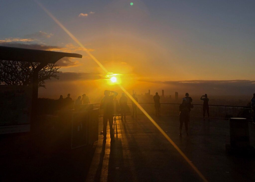 sunrise of mount cootha